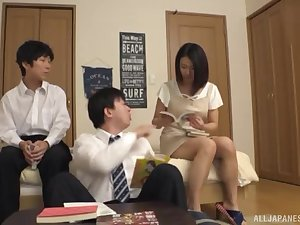 Brunette lay Japanese MILF pounded in a bathroom threesome