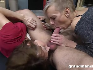 Two old grannies like threesome orgy - GILF sex with cumshot