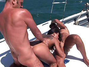 Strong anal not later than row-boat shepherd for the sexy amateur spliced