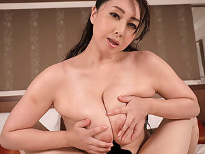 Yumi Kazama in Yumi Kazama I'm Just a Normal Supplicant Who Won a Contest to Date a JAV Eminence Accouterment 3 - WAAPVR