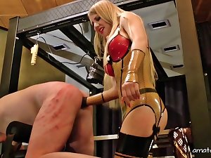 Dominant Nipper Estelle wants to sham to her sweetheart what is a BDSM sex game