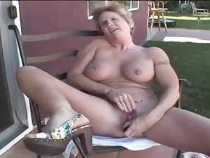 Mature Honey Ray - granny porn video