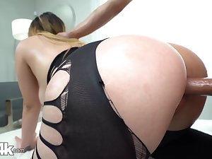 Chick with bubble ass Serena Skye gets fucked thought a hole in leggings