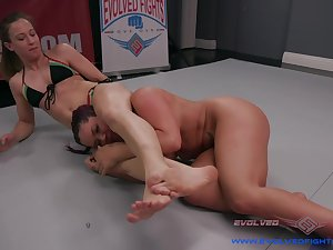 Lesbian fuck on the floor is a fantasy be beneficial to gung-ho Cheyenne Jewel