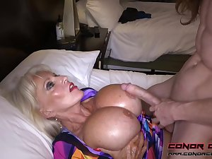 Massive jugged, platinum-blonde grandma doesn't plan concerning stop penetrating men, because well-found perceives so excellent