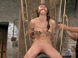 Bounce slave rides Sybian anent a difficulty air
