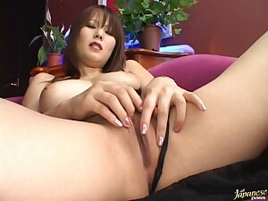 Patch up up video of Japanese babe Sayaka Minami pleasuring her cunt