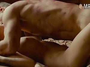 Nude episodes starring Elizabeth Olsen