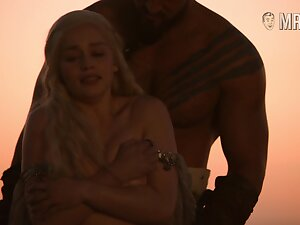 Nice titties for XXX blondie Emilia Clarke are flashed outdoors