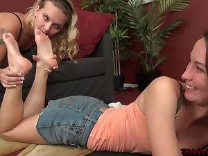 Ta Worship Lesbian Feet