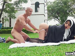 Nude nun ass fucked with reference to dramatize expunge craziest outdoor scenes
